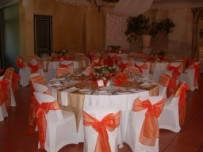 Wedding guest table, orange decor