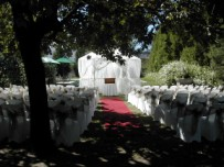 Garden wedding, Simondium lodge