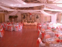 Decorated hall, guest tables and main table at Simondium lodge