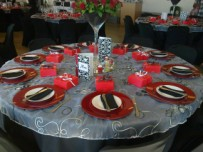 Table setting with red underplates